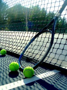 Active campus: Be social and fit with tennis