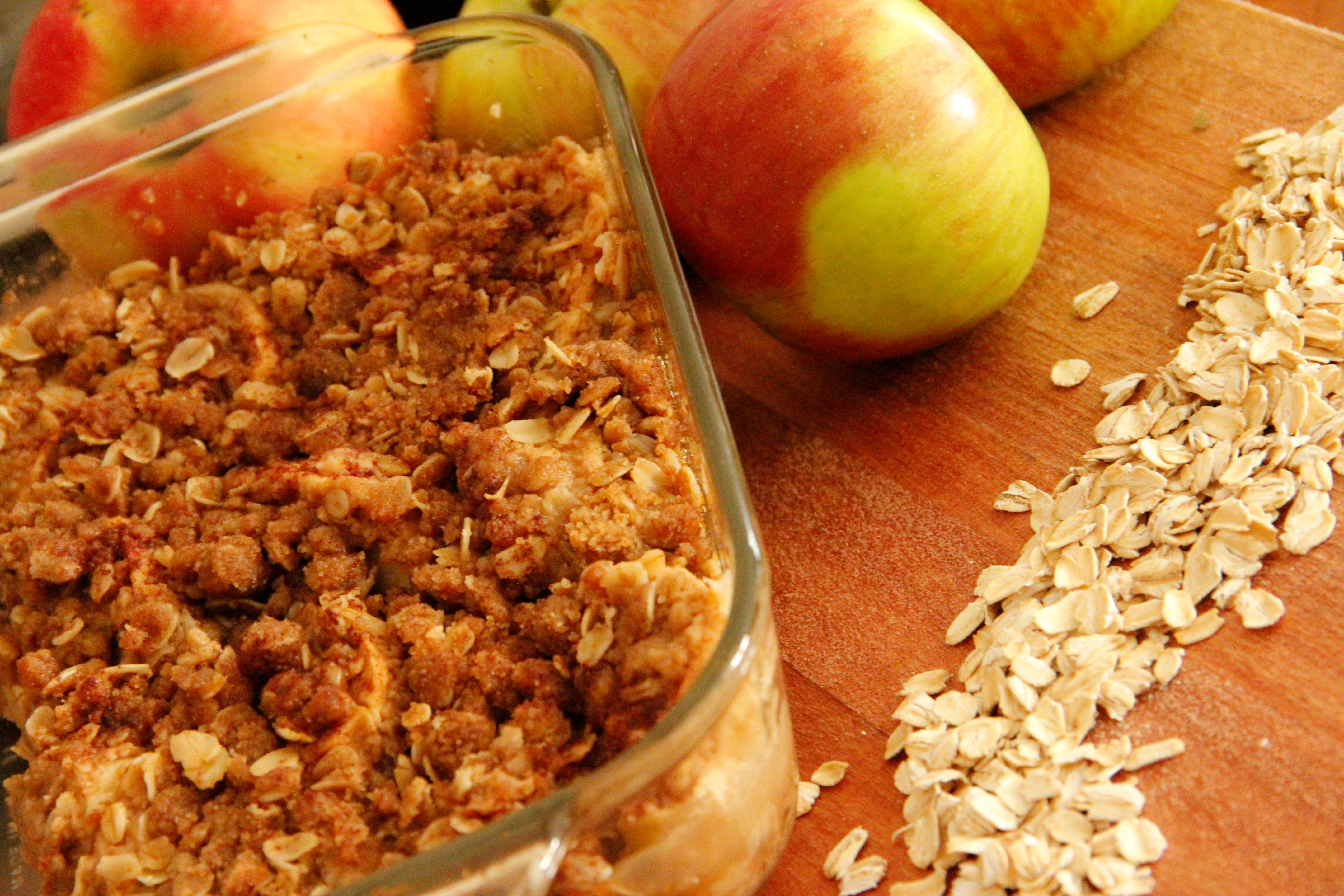 The Easiest Apple Crisp in All the Land